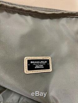 Briggs & Riley Olive Set 26 Upright Split Wheeled Duffle Bag & Toiletry Bag
