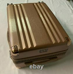 CALPAK METALLIC PINK HARD CASE LIGHTWEIGHT DURABLE LUGGAGE SET with TSA COMBO LOCK