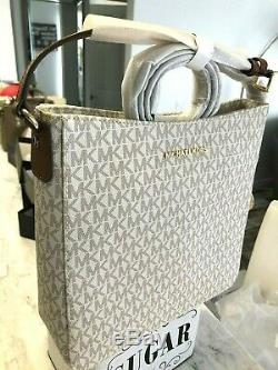 Michael Kors Jet Set Travel Logo Large Messenger Crossbody Bag Vanilla Luggage