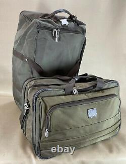 Preowned Dakota by Tumi Set 21 Duffle & 30 Upright Wheeled Soft Duffle Luggage