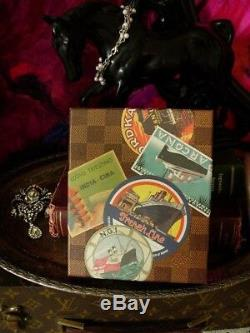 RARE Auth LOUIS VUITTON VIP Event Luggage Travel Sticker Damier POSTCARD Box Set