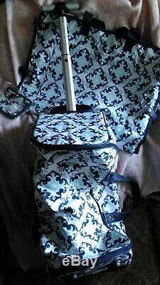 ThirtyOne 5 Piece Luggage Set Fab Flourish pattern