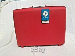 Vtg Samsonite Saturn II Luggage set in Barberry Red with keys + Original Boxes
