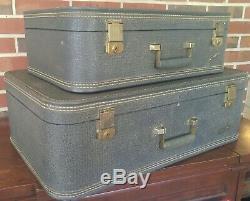 Deux Vintage Gris Starline Suitcases Avec Doublure Lavande Luggage Set Paire