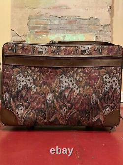 Ensemble De 2 Givenchy Floral Luggage Travel Garment Hanger Bag + Rolling Suitcase
