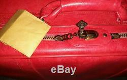Ensemble De Vintage American Tourister Valise Tiara Rouge Et Carry On Bag Avec Une Clef Euc