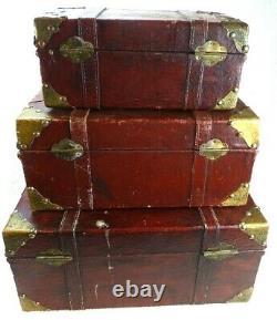 Ensemble Vintage De Valise D'affichage Empilable De 3 Bagages Démodés De Tronc En Bois