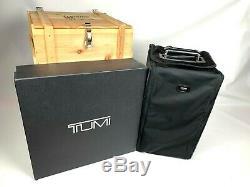 New Tumi- Mixology Set / Original Pdsf 3995 $