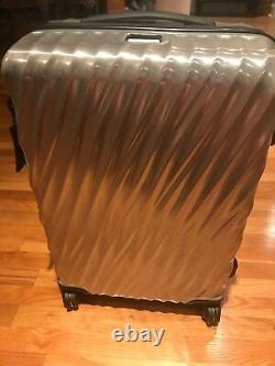 Nouveau Tumi 19 Degree Short Trip & International Set 2 Packing Case Silver