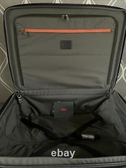 Nouvel Ensemble 2 Piece Tumi Windmere Expandable Packing Case (mrsp $1,500) Bagages