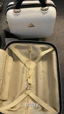 Triforce Python Travel Bagage Valises Set- White Beautiful Set, Spinner